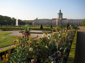Stiftung Preussische Schlosser Und Garten Spsg Presse Info 22 23 4 Schlossgartnerei Und Gartnerhof Charlottenburg Schloss Garten Werkstatt
